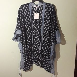NWT Lauren Conrad blue/white kimono shawl